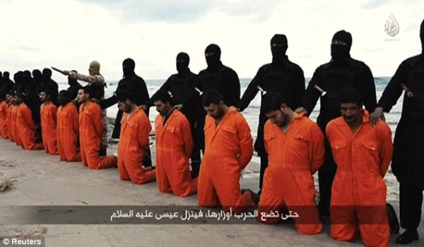 25B83DC000000578-2956776-Horror_Released_last_night_a_new_video_by_ISIS_showed_the_behead-m-27_1424167333970