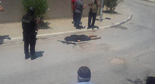 Image appears to depict dead gunman in Sousse, June 26th, 2015.