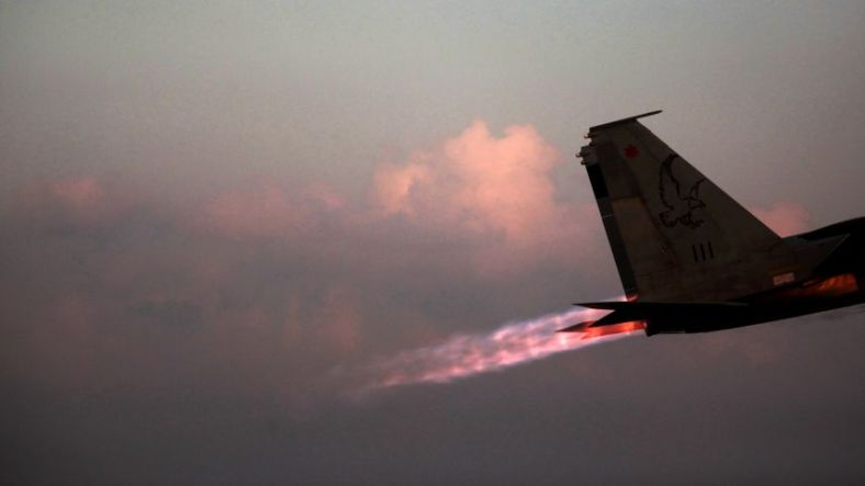 Israel F15 fighter bomber from Ha'aretz.