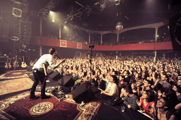 The Eagles of death Metal (minus Josh Homme) play at the Bataclan Theatre prior to the attack.